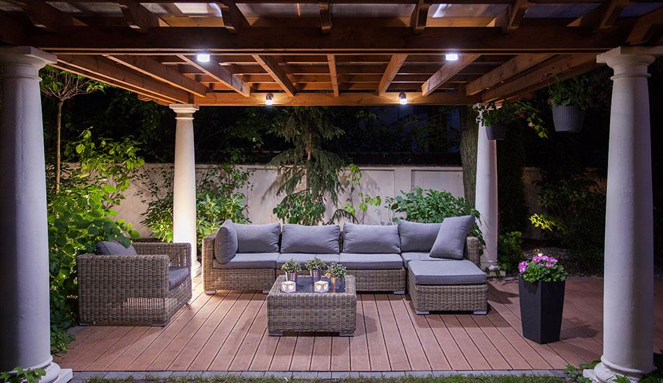 outdoor space construction hamilton